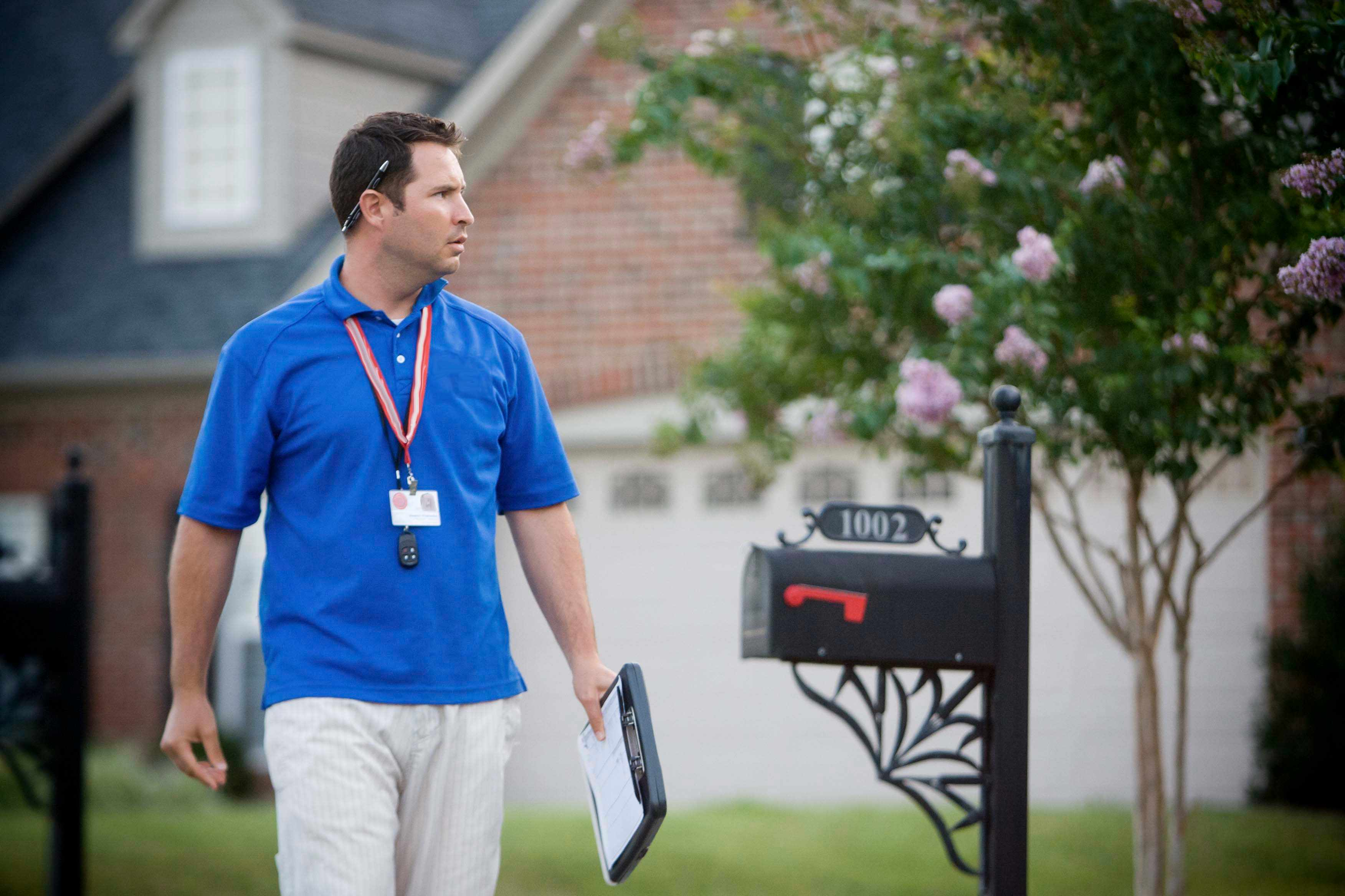 5 Invaluable Sales Tips From A Former Door To Door Salesman